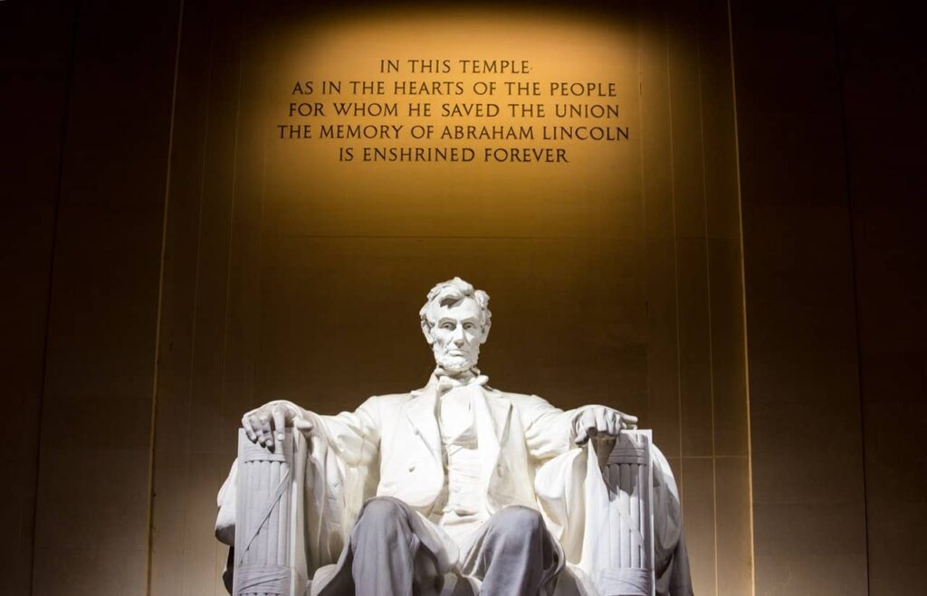 Develop Leadership in 2021 : Abraham Lincoln
